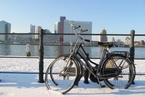 cykel-i-sneen